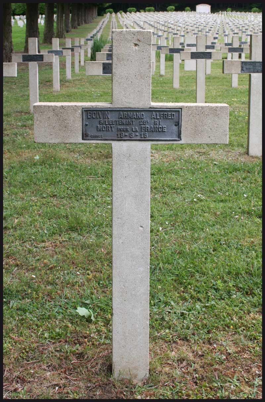 La sépulture d'Armand Boivin à Vignemont (60)
