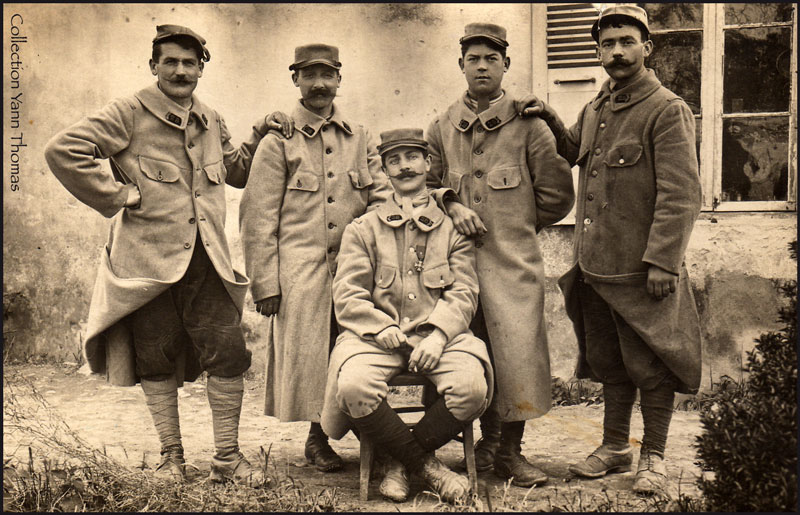 Groupe de soldats du 28e RI en 1915. Photo : Yann Thomas