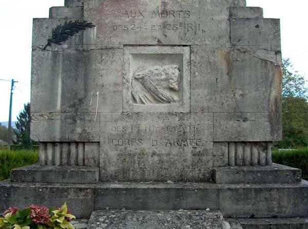Le monument aux morts de Loivre (51)